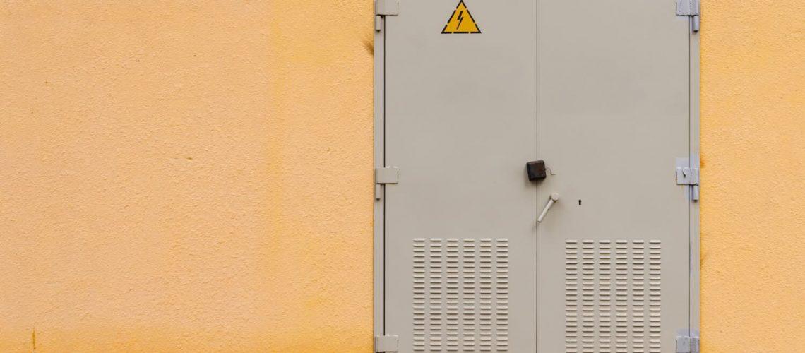 iron-gray-door-transformer-box-2-1[1]